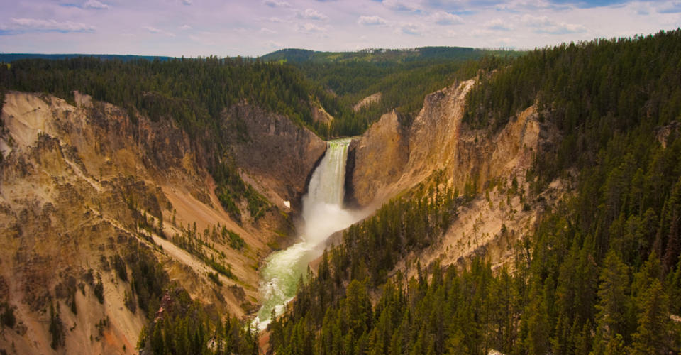 US-National-Parks-Classic-Yellowstone-Photo-9-waterfall