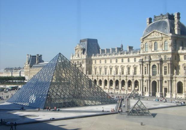 Louvre_Pariz