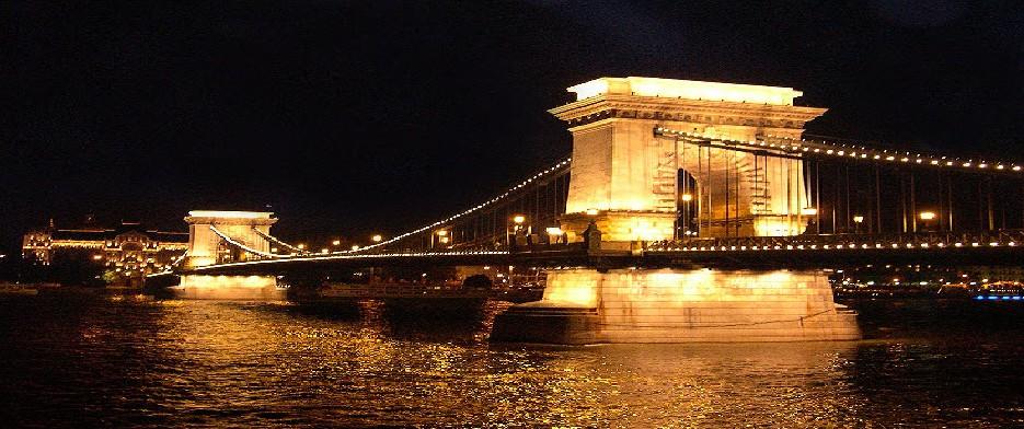 Nocna prehliadka_Budapest
