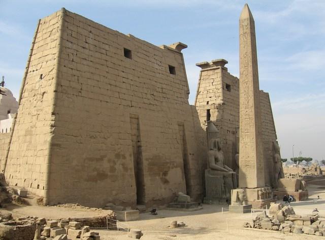 Luxor_chram