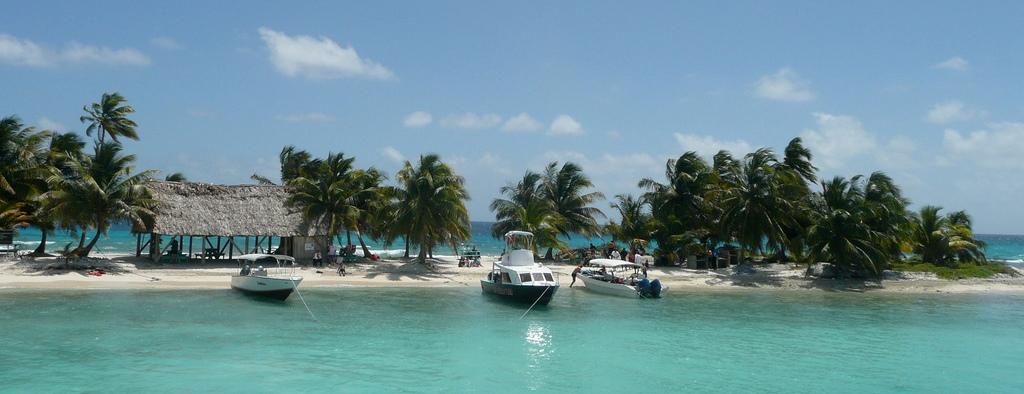 Belize_Chuck Taylor3
