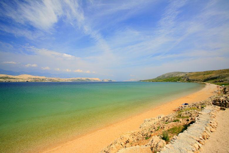 Čista plaža na ostove Pag
