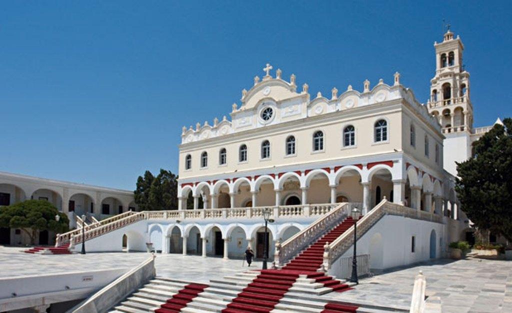 Pravoslávny kostol Panagia Evangelístria na ostrove Tinos