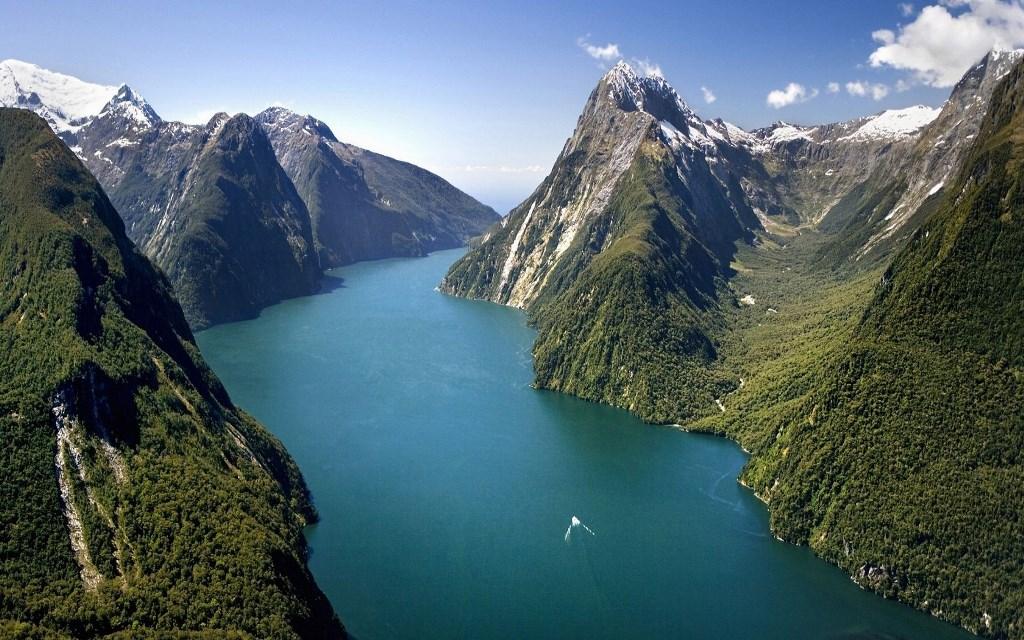 Fjord Milford Sound - Nový Zéland